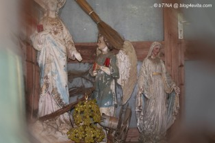 Unser Lieblings-Laubenplatz mit den Heiligenfiguren
