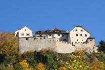 Blick von unten (Vaduz) hinauf ans Schloss