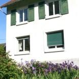 La Maison des Lys avec des fleurs des Lys